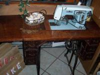 Vintage Sewing Machine Table and Sewing Machine The