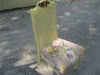 Vintage side chair in good shape.....Call .