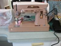 Very nice Singer 403A Sewing Machine in original carry