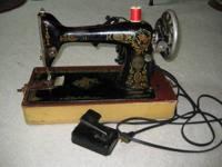 Singer Portable Electric Sewing Machine with light in