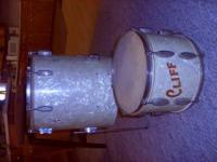 Vintage Slingerland drums for Sale. One floor Tom And