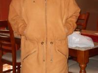 Description I am selling this vintage coat which has