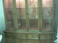 Vintage Solid Real Wood Brake Front / China Cabinet in