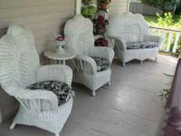 ViNtAgE StYLe Wicker Furniture 3pc. Set w/cushions! New