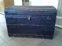 Beautiful Vintage Trunk. Nice inside and out. Has