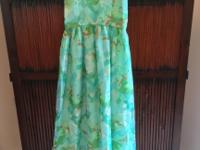 Lovely 1970s lined sundress with delicate straps and