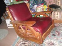 Great Vintage Wagon Wheel Rocker Arm Chair. Wood is