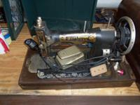 VINTAGE WHITE ROTARY SEWING MACHINE WORKS, CASE HAS