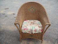 THIS IS A WONDERFUL VINTAGE WICKER CHAIR IN ITS
