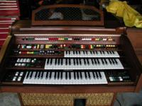 This Vintage Yamaha Electone 415i organ is one of the