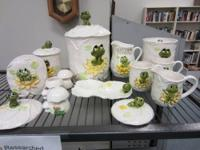 15 pc set of 1978 'Neil the frog' ceramic set. Includes