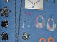 Vintage and new mix of jewelry for women -- 20$ obo ,