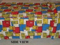 This vintage twin size bedspread is in like new