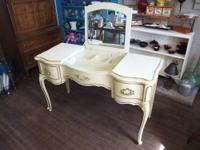 Beautiful French Provincial Vanity with mirror that