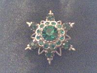 ONLY 8!!!! This is a great vintage green rhinestone