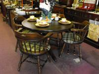 This listing is for a great looking vintage dining set