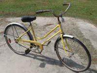 Vintage 1970's Schwinn Breeze Girls Bicycle. This is an