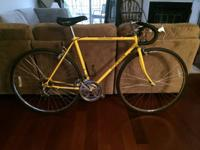 Classic yellow Schwinn Caliente 10 speed road/commuter