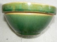"Vintage Yellow Ware Pottery Bowl, Light 3/4"" Jadite"