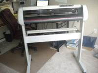 VINYL PLOTTER AND SOFTWARE WITH 4 ROLLS OF VINYL 1 ROLL