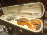 "New, closeout.  16"" Palatino VA450 viola with case and"