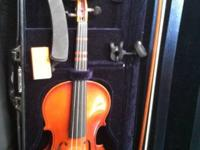 Scherl and Roth 4/4 violin. Comes with case, tuner,