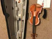 Im selling two violins ;Full size 4/4 with case, bow,