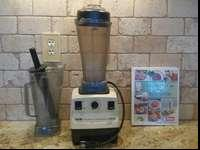 Vita-Mix Super 5000 Blender. Includes base, wet blade