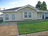 3 BEDS/2 BATHS, OPEN FLOOR PLAN, LARGE SPACIOUS ROOMS,