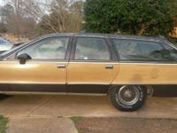 1993 chevy caprice wagon very nice brand new tires, the