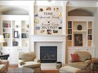 We develop and personalize wall decals for home