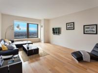 Spacious and sun-flooded convertible one bedroom in the