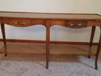 This sofa or entry table is in great condition and made