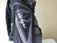 Walter Hagen Golf Cart Bag is in excellent condition.