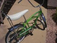 wanted 1974 or 75 Schwinn deluxe stingray, green I