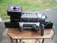 WARN WINCH M8000 comes with a mount plate that fits a