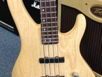 A Washburn XB-900 JJ Bass Guitar Bantam. This was made
