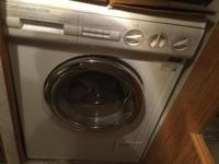 LIKE NEW WASHER/DRYER COMBOMATIC HOT/COLD CYCLE