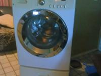 Fridigaire Affinity front loader washing machine with