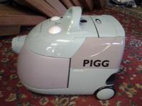 "The ""Pigg"" Water Vacuum. w filter: 2 liters capability"