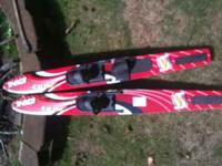 HO Excel pair of water skis, Sport Series, 67 cm long,