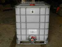 250 Gallon water tank on steel pallet clean ready to