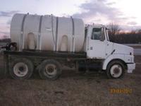 1991 Volvo, 3250 Gallon Tank, Gas pump, Heavy Hitch to