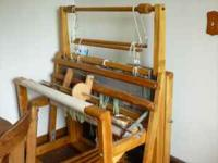 HIGH QUALITY EXCELLENT CONDITION PRE- OWNED WEAVING