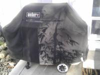 Nice Weber Silver 3 burner barbeque. Great shape, has
