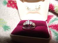 WEDDING & ENGAGEMENT RING SET.  APPRAISED VALUE $4195.
