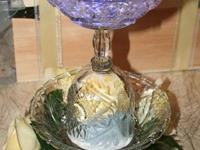 I make beautiful centerpieces for wedding receptions,