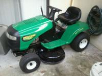 Riding lawn mower Briggs & Straton Motor Practically