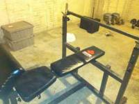 Great Weight Bench, Has multiple adjustments for flat