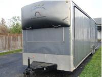 Wells Cargo Autowagon 1995 32' enclosed trailer. Extra